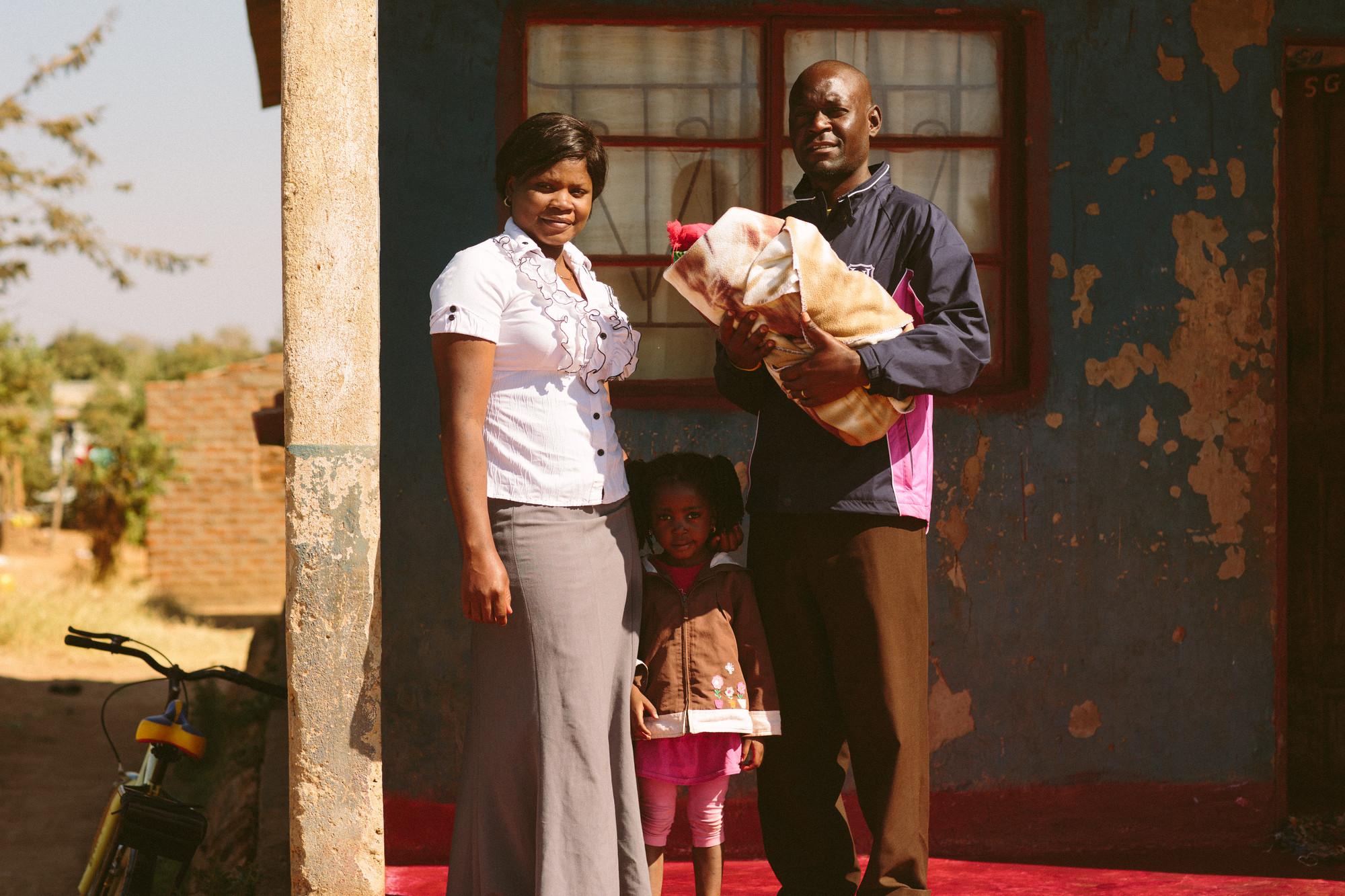 kuvassa perhe