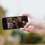 kuvassa mobiili