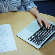 kuvassa tietokone